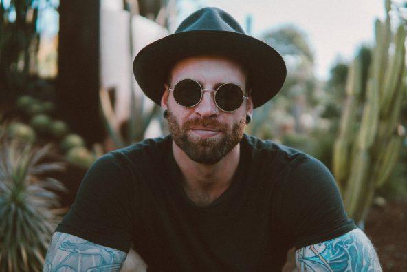 La beauté au masculin : des cheveux à la barbe