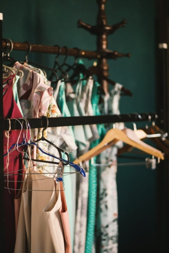 Devez-vous jeter tous vos vêtements pour un relooking ?